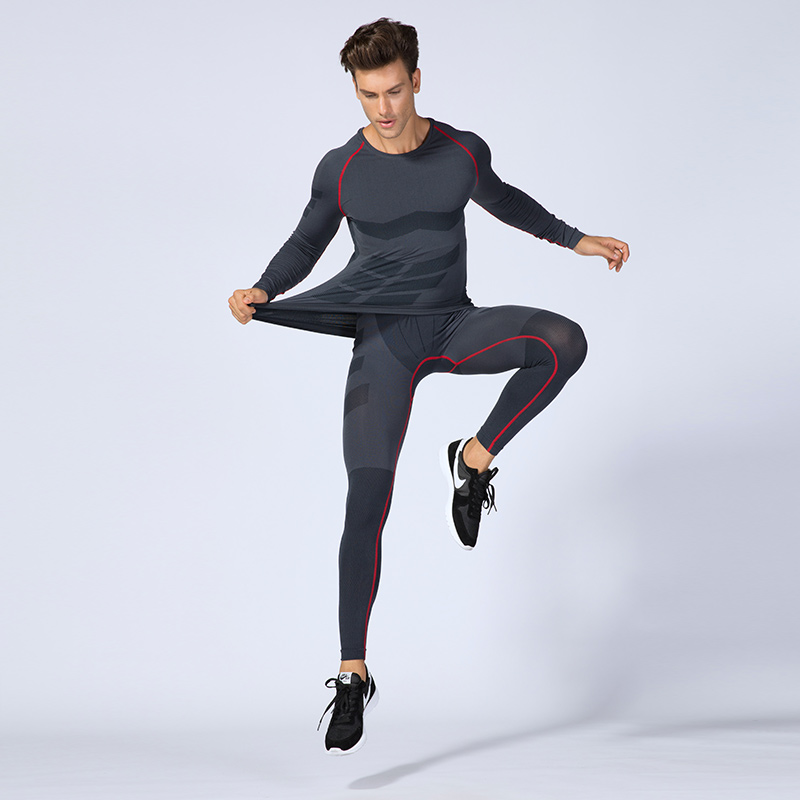 2018 New Men Running Set Long Sleeve Running T-shirt And Pants Quick Dry Sport Gym Fitness Sportwear Clothing Underwear Set цена