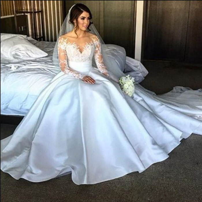 High Quality Satin Wedding Dreses With Long Sleeves Sheer Neck Illusion Back Covered With Buttons Elegant Bridal Gowns Cheap