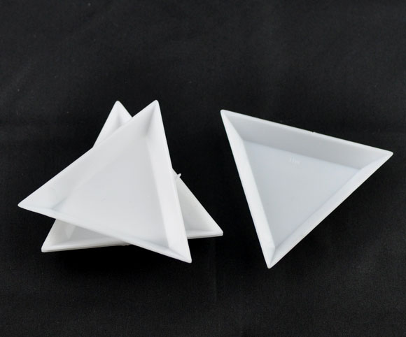Plastic Storage Containers Triangle White 6.4cm(2 4/8