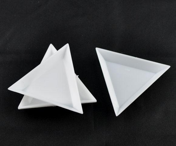 Plastic Storage Containers Triangle White 6.4cm(2 4/8
