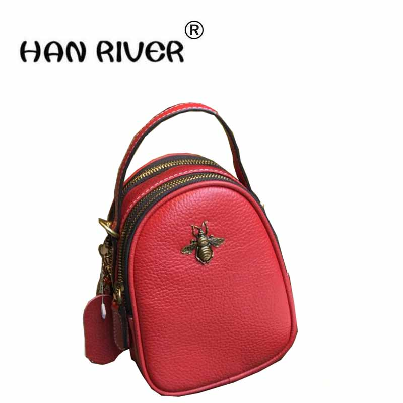 The south Korean version of the simple casual fashion trend small bees shoulder bags shoulder bag retro bag 2016 new korean version of the retro shoulder bag fashion backpack male schoolbags traveling bags