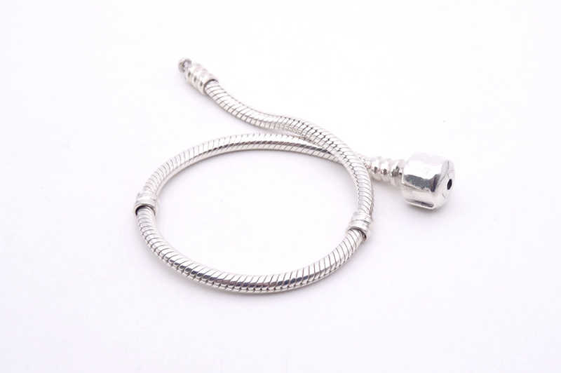 Duże 97% zniżki! Oryginalna elegancka biżuteria 925 lite srebro Charm bransoletka z certyfikatem miękka i gładka bransoletka wąż kości dla kobiet