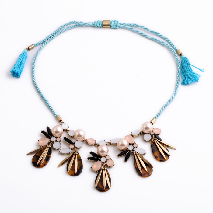 a5e8f88fe2c0 Estilo de Bohemia Cristal simulado perla transparente lujoso vintage moda  mujeres colgante largo collar de tejido