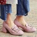 Aiweiyi 2017 mujer zapatos de las señoras bombea los zapatos de tacón cuadrado med zapatos flock tassel resbalón de las señoras zapatos de boda tamaño 34-42