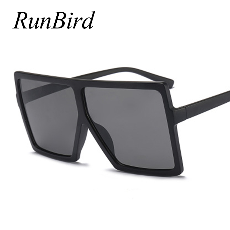 RunBird Barato Óculos Oversized Mulheres Praça Flat Top Branco Preto Das  Senhoras Grande Escudo Óculos de Sol Feminino 2018 UV400 1151R em Óculos de  sol de ... a6aa041186