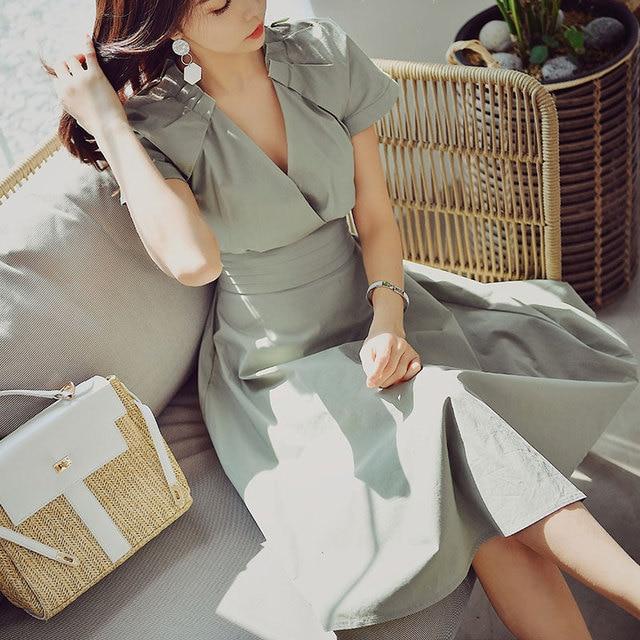 Dabuwawa Summer Chic V-Neck Elegant Midi Dress Women 2019 New Green Cloak Sleeve A-Line Party Swing Dresses DN1BDR044