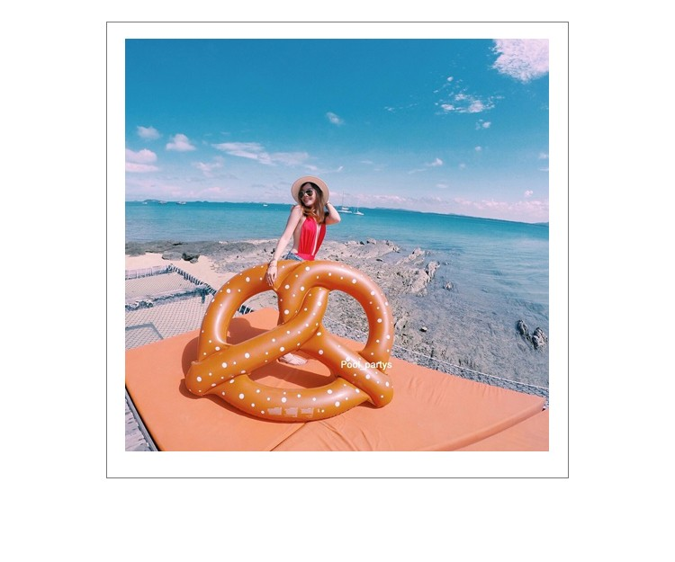 Water Sports Giant Inflatable Pretzel pool Float Toys Safety Swimming Ring Pool Floating Air Mattress Bread Ring for 3 Persons