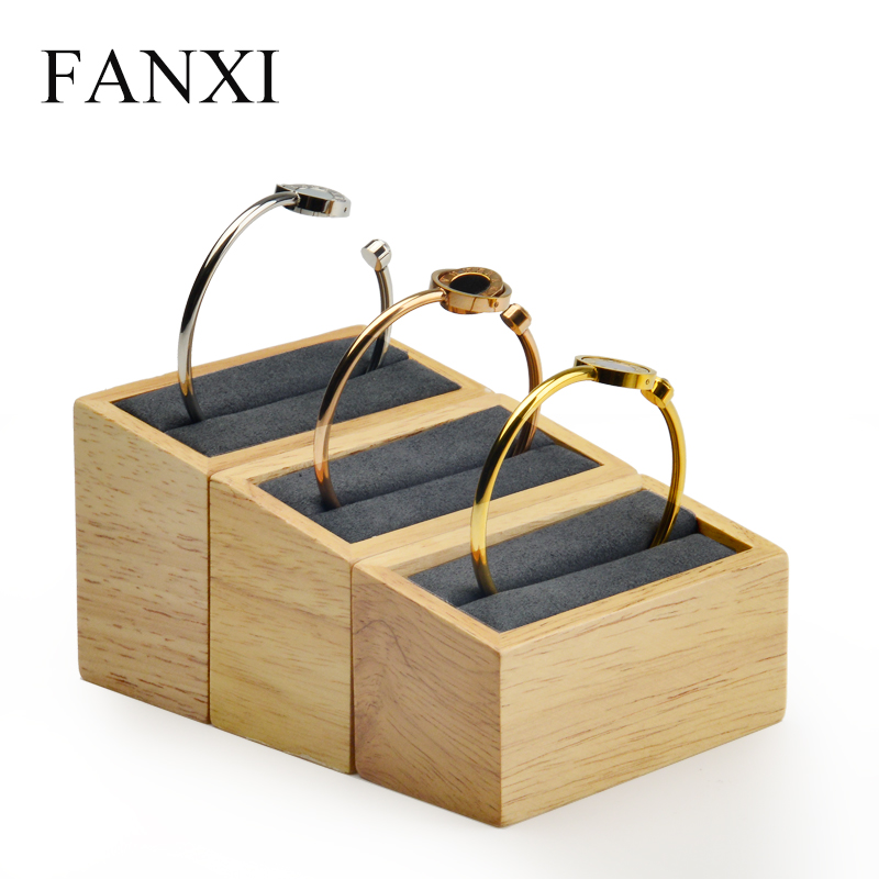 FANXI  Solid wood bangle display stand 3 pcs/set jewelry holder Tilt shape with microfiber insert for Showcase Jewelry OrganizerFANXI  Solid wood bangle display stand 3 pcs/set jewelry holder Tilt shape with microfiber insert for Showcase Jewelry Organizer