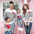 Семейные сопоставления рубашки мать дочь отец сына полный рукавом футболка в полоску печати сердца случайные хлопка ребенка clothing