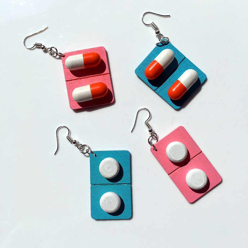 1 pair Wooden Capsule Stud Earrings Fashion Cute Creative Funny Lovely Pills Medicine Earrings Unique Jewelry Gift For Girl