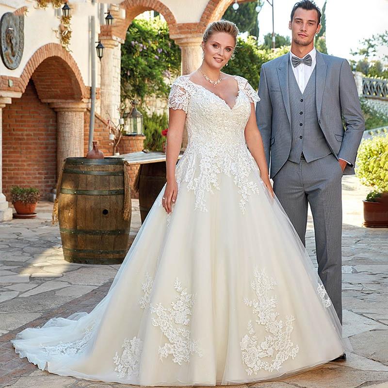Plus Size Wedding Dress With Short Sleeve Sexy V-neck Lace Elegant Bride Dresses Vestido De Noiva Vintage Wedding Gowns