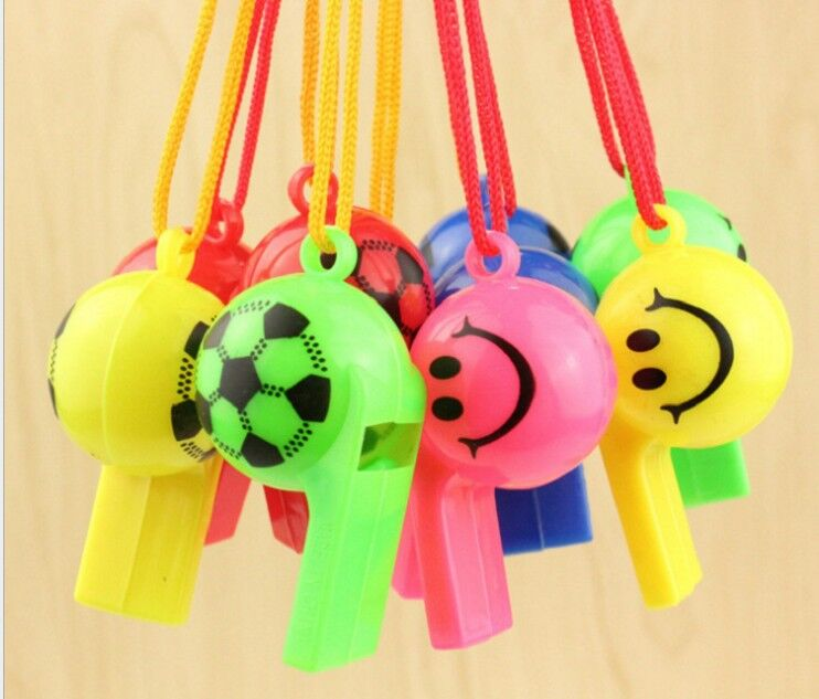 8pcs/lot Soccer Football Or Smiling Face Cheerleading Whistle For Kids Children Plastic Whistles Toys With Ropes GYH