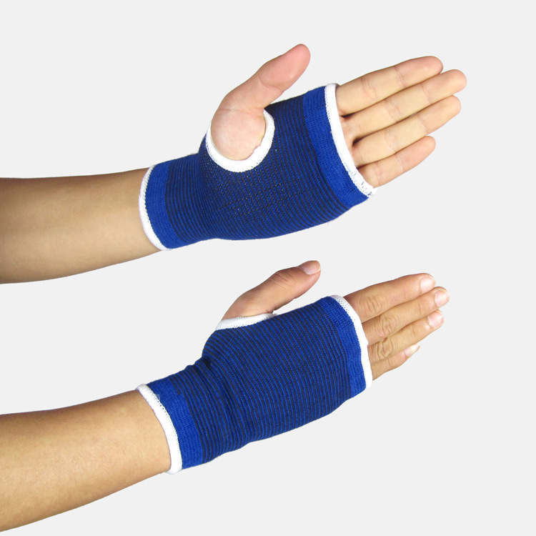 Sports gloves half finger gloves protective protective gloves hand movement and dumbbell weightlifting cold steel hand and a half sword санкт петербург