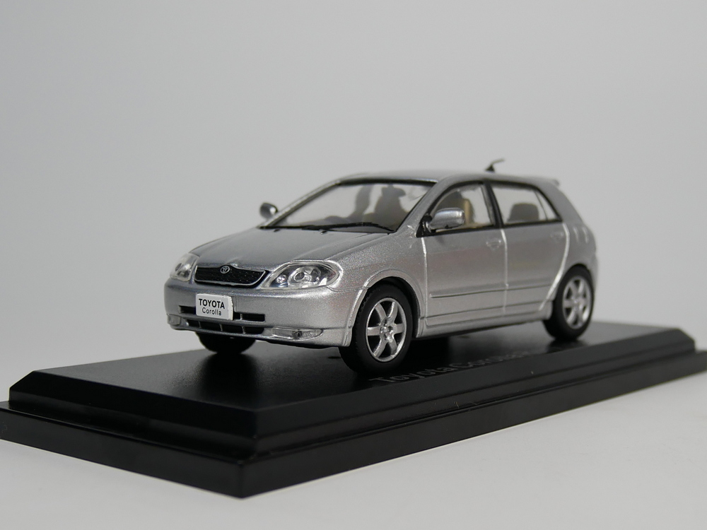 1:43 Toyota Prius Model Car Diecast Toy Vehicle Collection Gift with Stand Gray