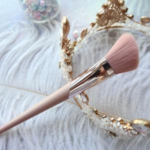 Image 2 - BBL pembe Premium makyaj fırçalar pudra parlatıcı şekillendirici allık konik karıştırma fosforlu göz farı fırça makyaj araçları