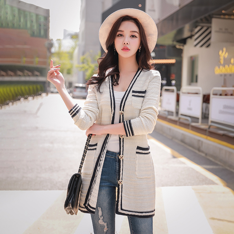 Dabuwawa Spring White Long Sweater Cardigans Women New Vintage V neck Knitted Casual Striped Buttom Outwear