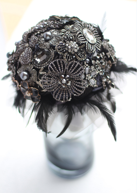 8 inch custom bridal bouquet,Gothic style black feather brooch ...