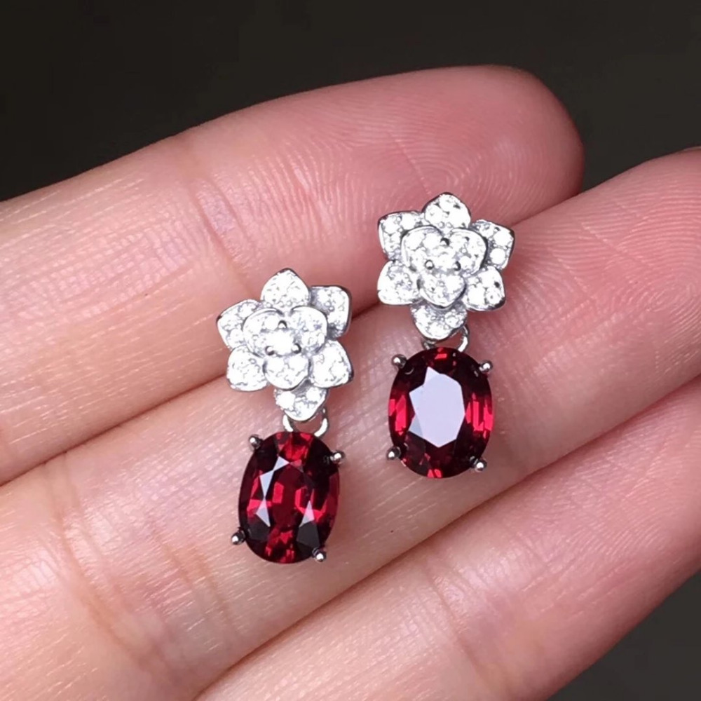 2017 Qi Xuan_Fashion Jewelry_Flower Styles Dark Red Stone Earrings_S925 Solid Silver Dark Red Earring_Factory Directly Sales 2017 rushed qi xuan red stone bangles