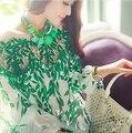 2017 с длинными рукавами футболки женщин Сексуальный топ Весной листья полые воротник Без Бретелек шелковый печатных шифон рубашка пальто бисером кружева рубашка