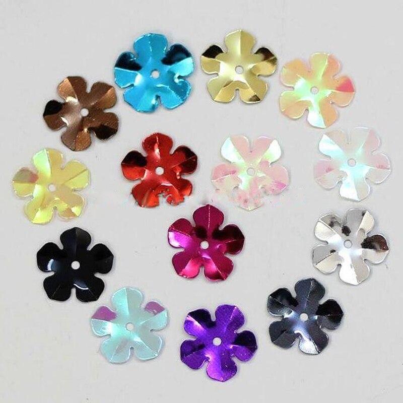 Cerca de 310 Pçs / lote 15g Flor Laser Lantejoulas Enfeites de PVC Brilhante Para Scrapbooking Material De Costura Artesanato de Alta Qualidade LP06