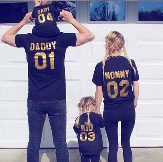 Household Matching Garments Black Gold T-Shirt Brief Sleeve Quantity Summer season Spring Fabric Matching Outfits Mom Father Daughter