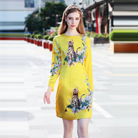 Europe Station 2017 Early Autumn New Pattern Heavy Yellow Kitty Manual Book Nectar Bee Printing Dress