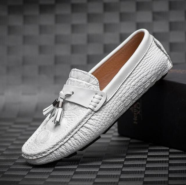 627ec3dc403 Mens Casual Loafers Shoes New 2017 Autumn Men s Leather Driving Shoes  Classic Flats Black White Loafers Boat