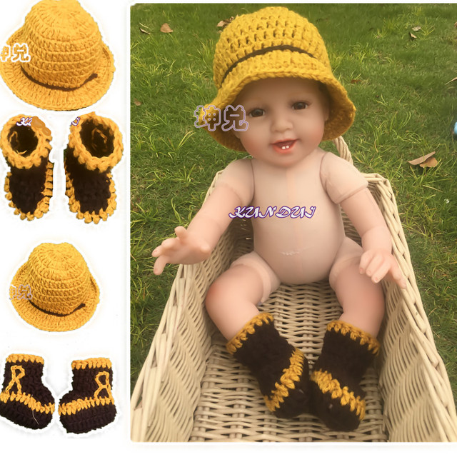 0216e407fa4b Infant Hat and Shoes Set Baby Boy Girl Photography Props Handmade ...