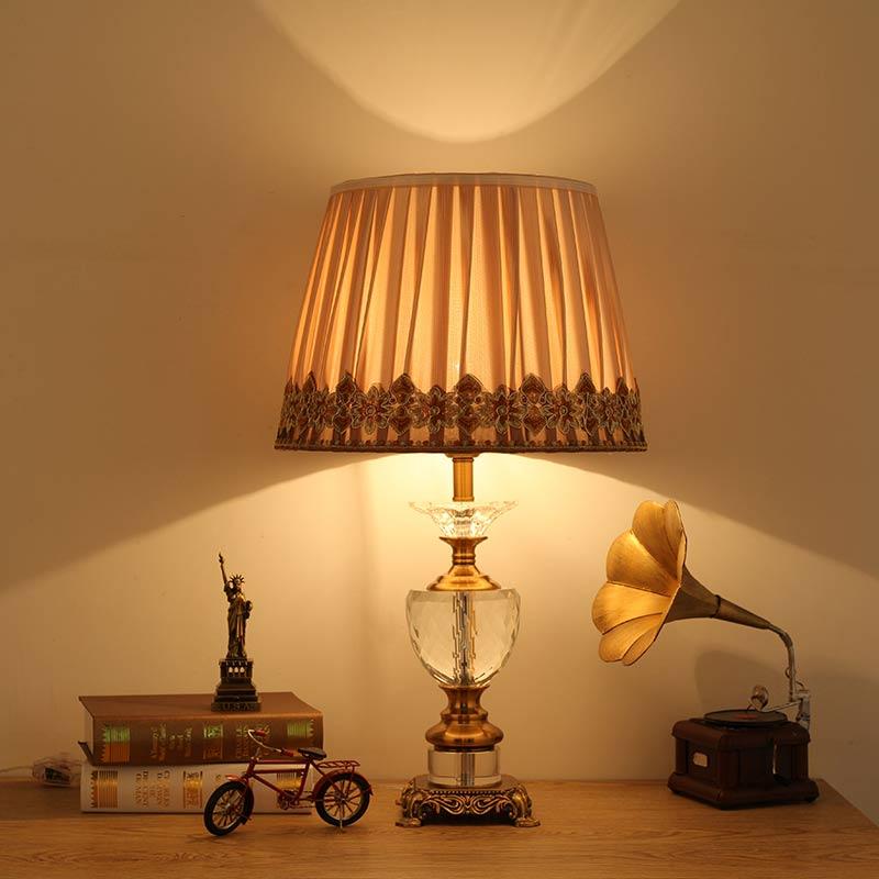Современные хрустальные настольная лампа Ткань абажур Классическая Гостиная Спальня прикроватной тумбочке фонари освещения дома E27 110-220 В