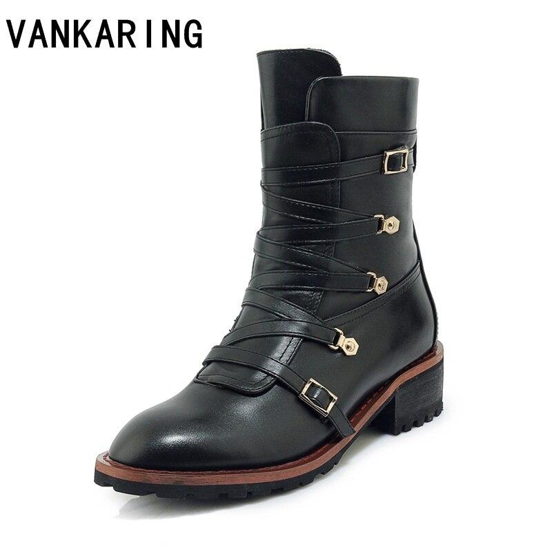 Ayakk.'ten Ayak Bileği Çizmeler'de Yeni marka tasarım hakiki deri martin çizmeler ayakkabı kadın dantel up rahat punk perçinler pist botları siyah ayakkabı kadın yarım çizmeler'da  Grup 1