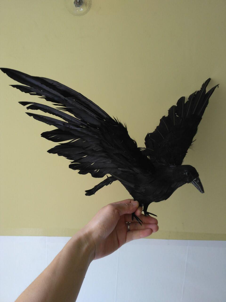 Grand modèle d'oiseau corbeau noir, ailes étalées 30x45 cm, artisanat de corbeau en mousse et plumes, accessoire d'halloween, cadeau de décoration de jardin d1019