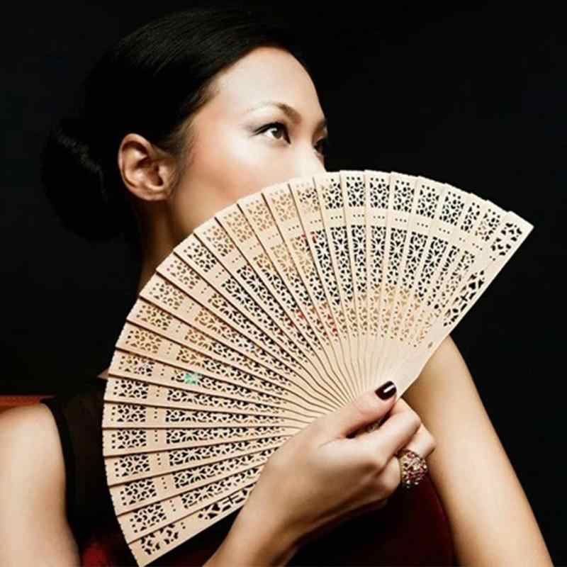 Abanicos chinos plegables de 20cm, abanico hueco de madera pura para decoración del hogar, artesanías, modelos de fotografía, triangulación de envíos