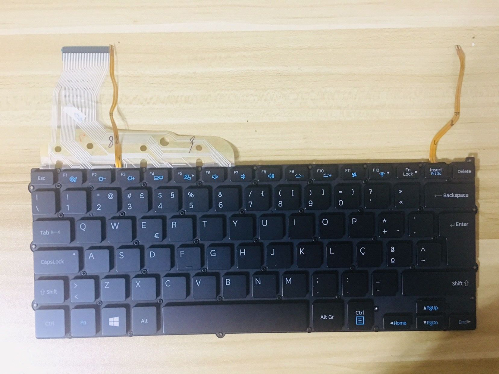 New keyboard for SAMSUNG <font><b>NP940X3G</b></font> NP940X3F NP940X3K Portuguese layout image