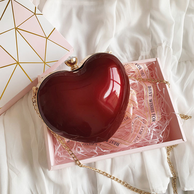 Mini Heart bag 2020 Summer Fashion New Quality Patent Leather Women\'s Designer Handbag Luxury brand Chain Shoulder Messenger Bag