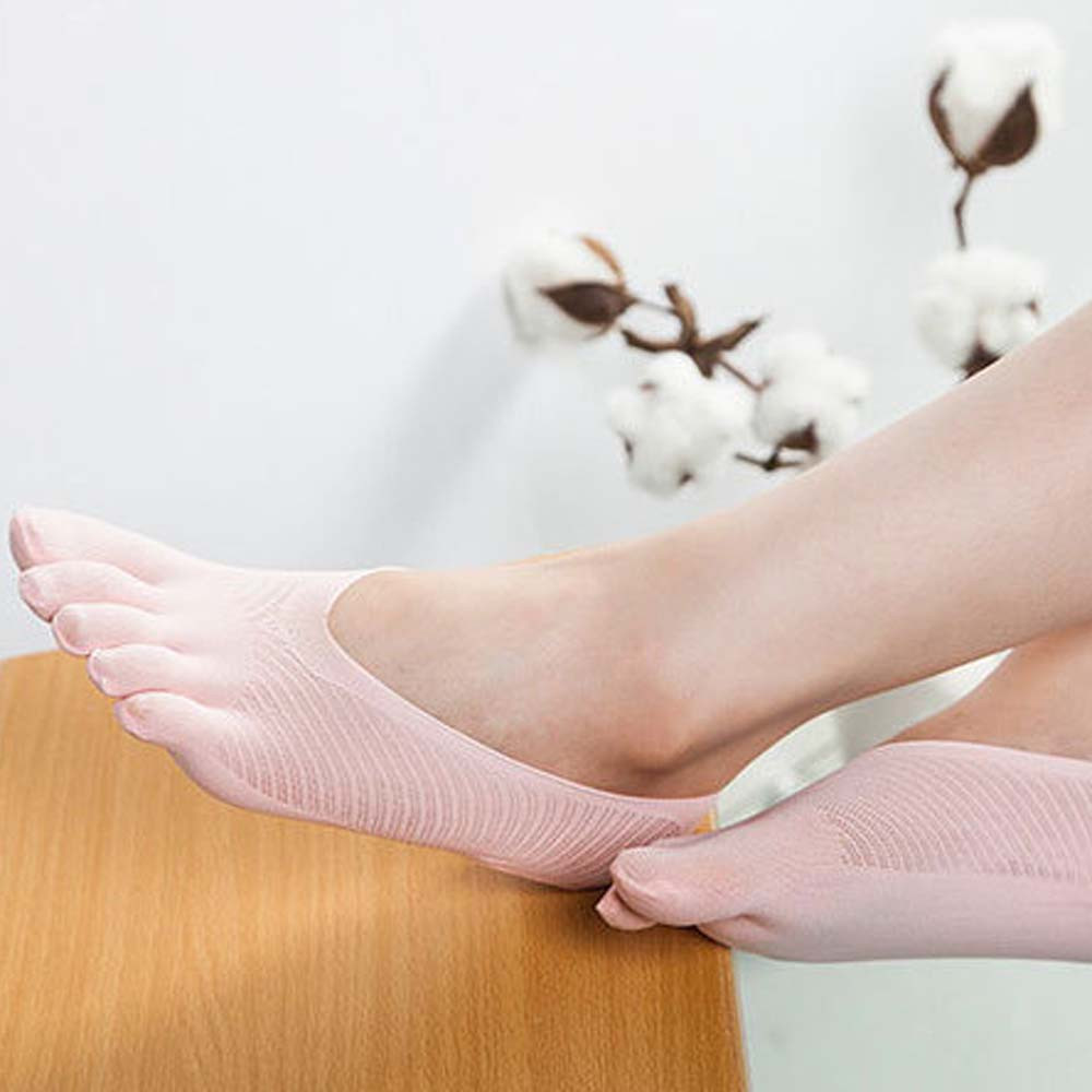 One Size Invisible Toe Socks Made With Cotton And Spandex Material For Daily Use 2