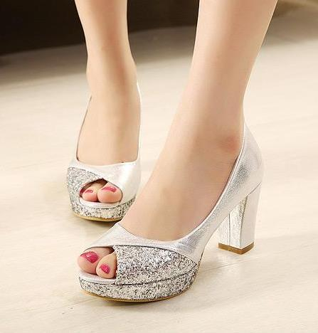 Elegant thick heel open toe office lady