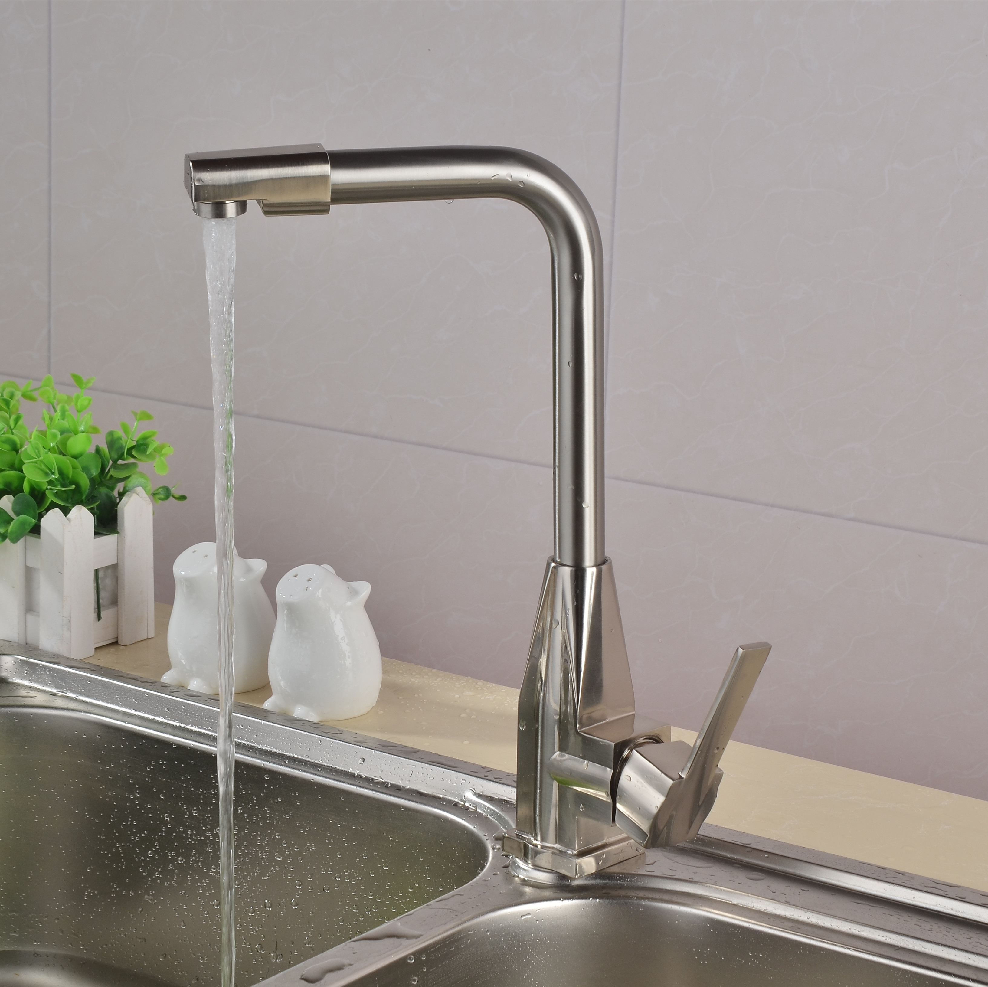 Kitchen hot and cold water faucet stainless steel sink drawing