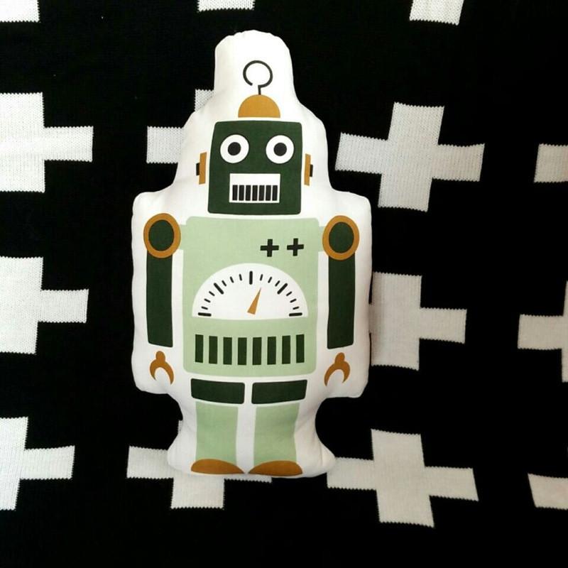 robot-pillow-4