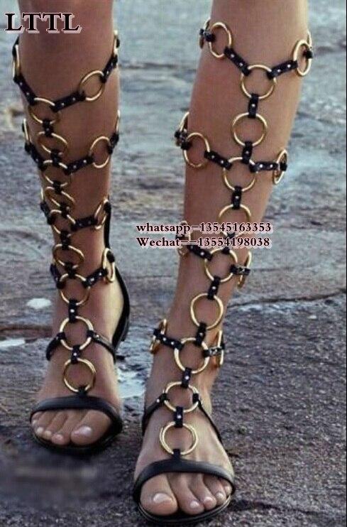 Vente chaude d'été marque or métal anneau chaînes femmes découpes genou bottes plates sandales Rome Style gladiateur sandales femmes