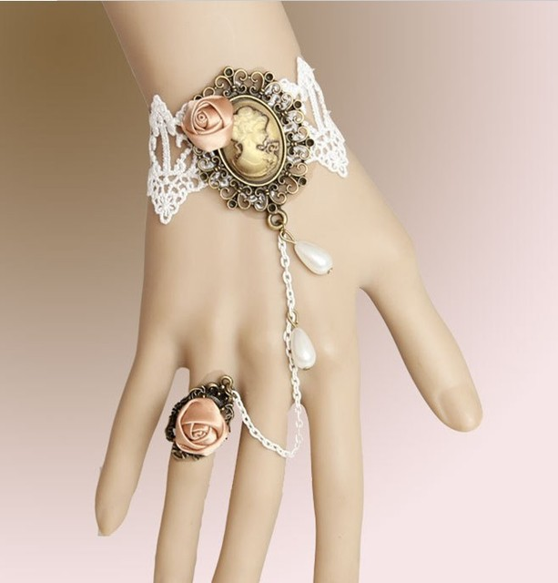 Vintage Bangle Jewelry Cameo Bracelet Charms With Flowers S Costume Wedding Decoration Link Bracelets For Women