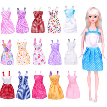 15 PCS Random Fashion Dress Clothes for Barbie Doll Accessories Play House Dressing Up Costume Kids Toys Gift 12 items 6 random wedding party gown dress clothes 6 necklace accessories for barbie doll fr kurhn kids toys christmas gift