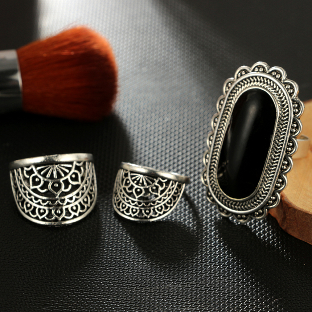 Tocona Vintage Antique Silver Color Black Rhinestone Ring Ethnic Flower Carve Ring Set Steampunk Knuckle Ring Women Jewelry 4174