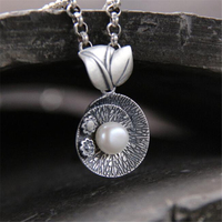 Brand Chinese Elements Leaf Necklaces Pendants With White Shell Pearl For Women Vintage Style Lady 999