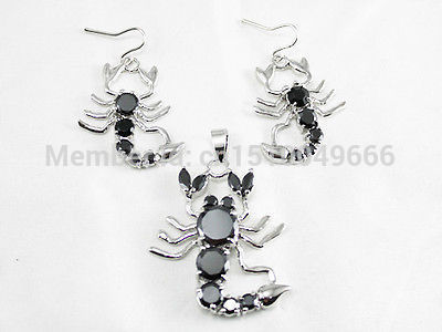 Hot sale FREE SHIP>>>>Beautiful black Crystal Scorpion pendant earringsHot sale FREE SHIP>>>>Beautiful black Crystal Scorpion pendant earrings