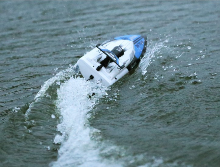 купить WLtoys wl912 2.4G rc speed boat radio control airship 4CH speedboat The fastest speed 29km/h VS UDI 001 недорого