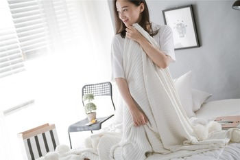 Cotton Fur Ball Knitted Blankets