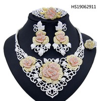 Yulaili Women Dubai Jewelry Sets Necklace Earrings Rings Flower Pendant Crystal Silver Chain Lady Party Nigeria Wedding Gifts