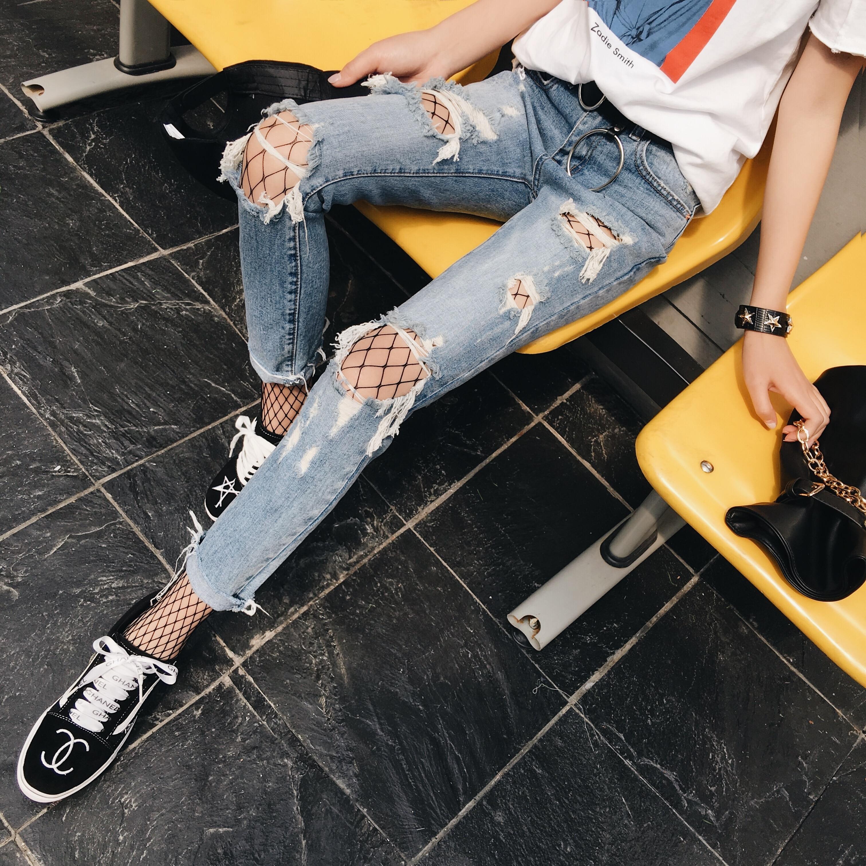 ФОТО The Korean version of loose hole jeans female Han Guoxian thin pants nine students all-match BF beggar pants wind