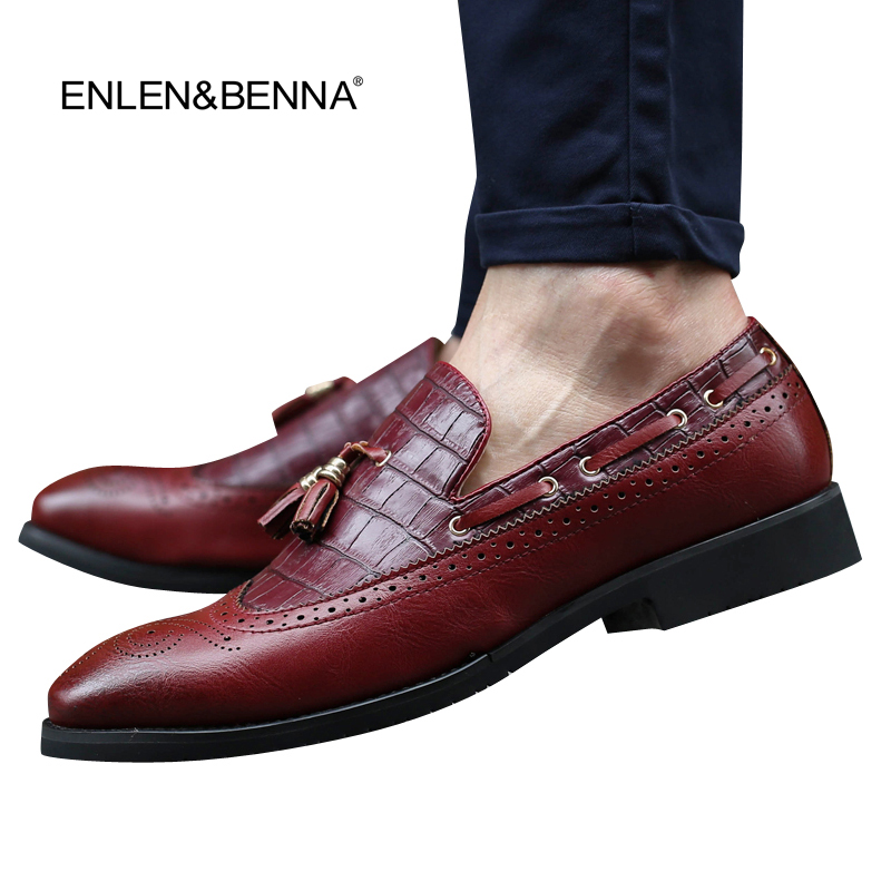 2015British mens shoes fashion shoes Vintage Carved Genuine leather platform causal dress shoe Brogue shoes oxfords FreeShipping