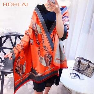 Image 2 - ラグジュアリーブランドオレンジキャリッジチェーンプリントカシミヤスカーフの女性のスカーフの女性の首のファッションショールラップ暖かい冬 hijabblanket